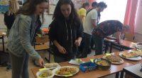 Patatas, cebolla, huevos, sal y aceite de oliva – brambory, cibule, vejce, sůl, olivový oleja hlavně chuť zkusit uvařit nejtypičtější jídlo španělské kuchyně. To byly ingredience, které využili studenti v […]