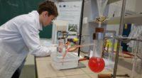 Úterní dopoledne v chemické laboratoři proběhlo ve znamení okresního klání Chemické olympiády. 20 chemických příznivců se nechalo strhnout záludnými chemickými rovnicemi a názvoslovím. Jsme rádi, že mezi úspěšnými řešiteli máme […]