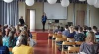 Ve čtvrtek 11. dubna 2019 proběhla ve velkém sále knihovny beseda, které se zúčastnila téměř stovka žáků třetích ročníků a septimy. Našimi milými hosty byli paní Dana Kovaříková a Jaroslav […]