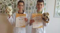 Letošní biologická olympiáda žáků nižšího gymnázia přinesla velké úspěchy! Ve školním kole kategorie C (G3+G4) zvítězila Lenka Šimová, 2. místo obsadila Julie Kubíčková a na 3. místě skončila Jana Žalio […]
