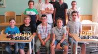 Pondělní dopoledne 24. června věnovalo 12 bojovníků ( mezi nimi 1 dívka ! ) soubojům šachového turnaje (8 kol; 2 x 13min + 3 s/tah). Sedm kol nedal žádnému ze […]