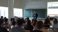 5. březen jinak aneb Čtvrteční odpoledne netradičně… Místo posledních dvou hodin seminářů, či vpřípadě oktávy místo hodiny společenských věd a angličtiny, návštěva zamerického velvyslanectví v Praze… Naším hostem byl pan […]
